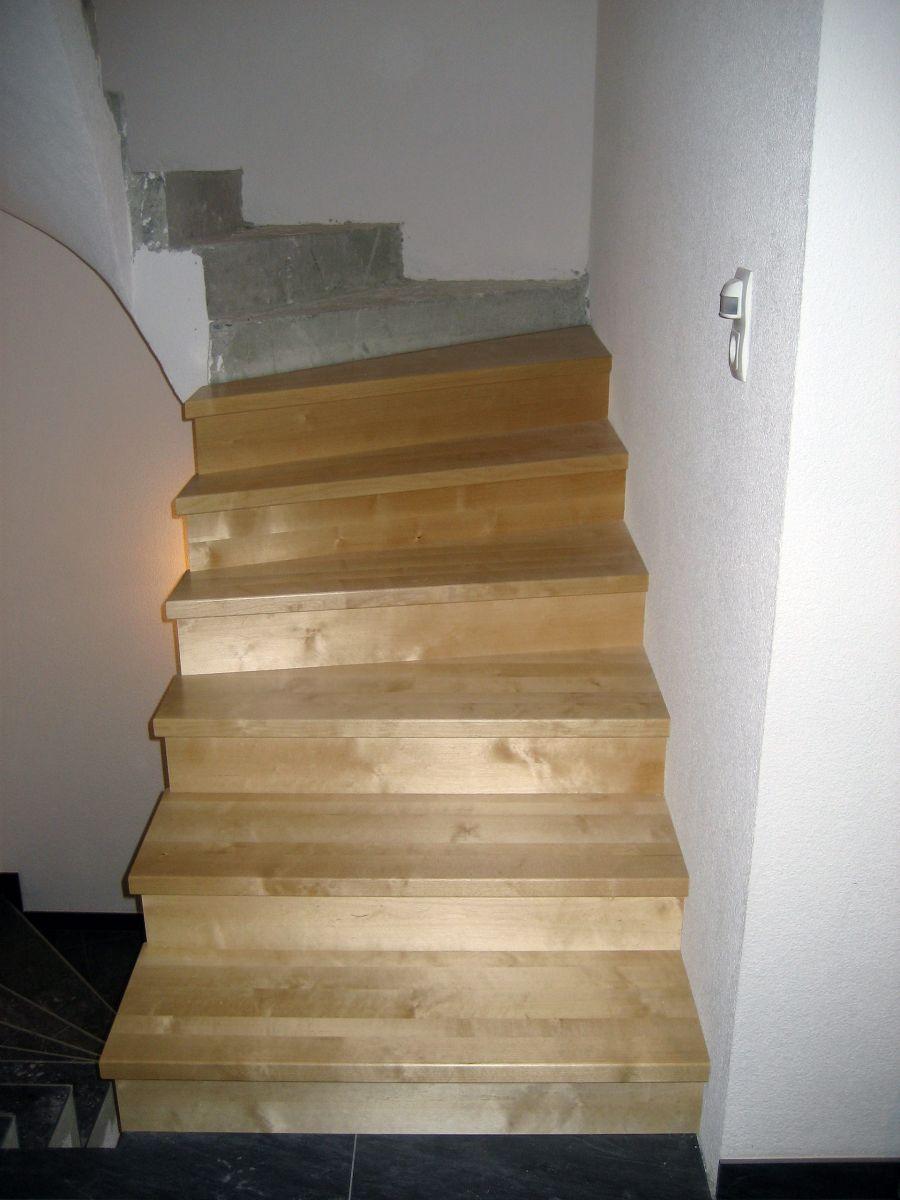 treppen gel nder holzbau lenz tischler und holzbaumeister walter lenz. Black Bedroom Furniture Sets. Home Design Ideas
